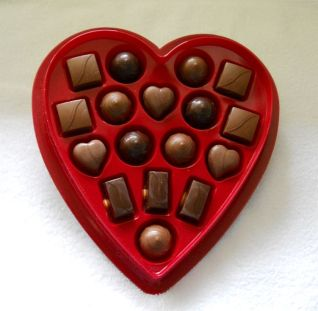 Elmer_Valentine_boxed_chocolates