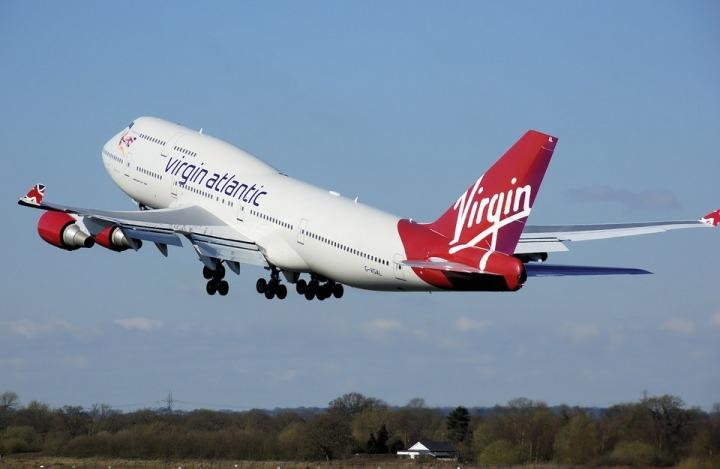 airplane-744861_960_720