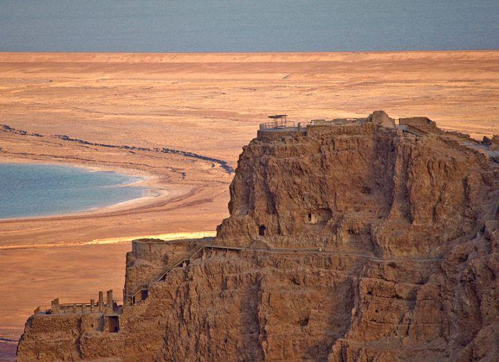 PikiWiki_Israel_10475_Herod_palace_at_Masada.jpg
